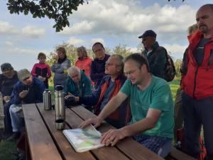 Říjnová exkurze zavedla návštěvníky do Žulovské pahorkatiny