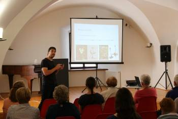 Co lze vyčíst z herbářů? (přednáška)