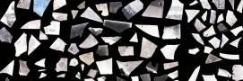 Obr. 7: Fragmenty skleněných negativů nalezené na půdě bernartické sirkárny, pomocná evidence VMJ.